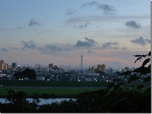 東京タワーと東京スカイツリーと富士山