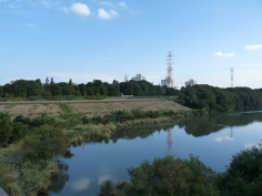 北総花の丘公園の手前の景色です。