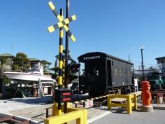 昭和の国鉄車両と踏切