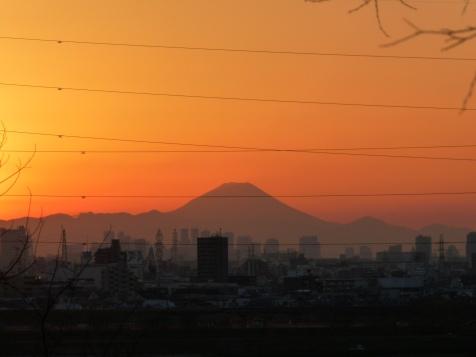 日没寸前の富士山