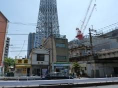 業平橋駅とスカイツリー
