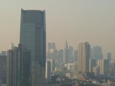 新宿都庁方面
