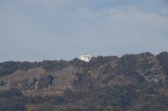 駅から見たロープウェイ山頂駅