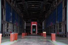 内装工程途中の車両