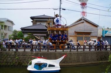小野川沿いの山車