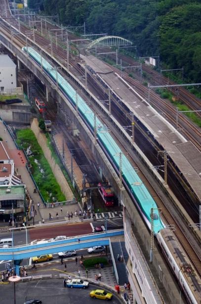 JR王子駅と新幹線と都電