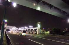 白髭橋、右上は首都高向島線