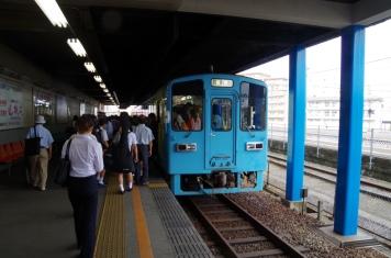倉敷市駅プラットホーム