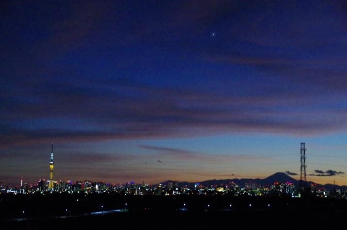 矢切富士見台歩道橋にて