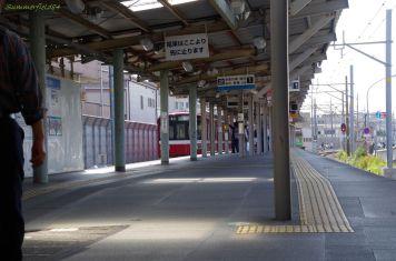小島新田駅にて