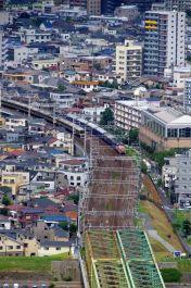 江戸川鉄橋に進行中