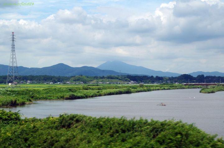 恋瀬川通過中に筑波山にズーム