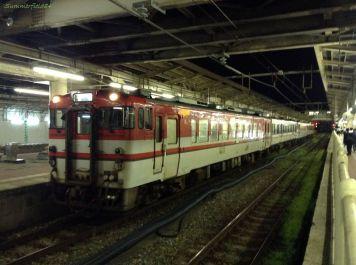 新潟駅在来線ホームにて