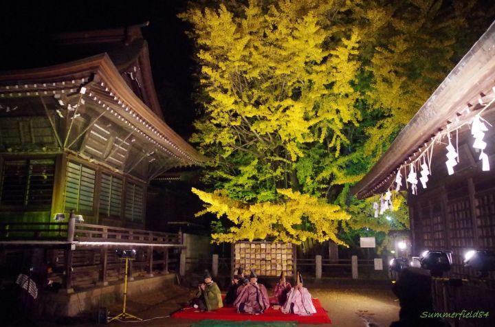千本公孫樹で雅楽の演奏
