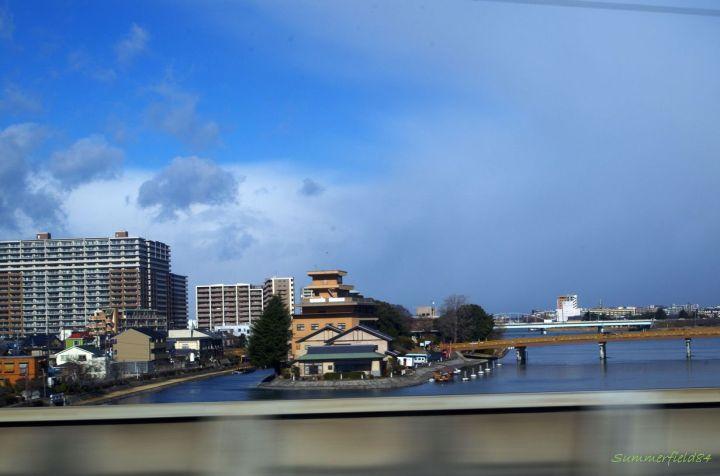 琵琶湖近くでは晴れてきました。