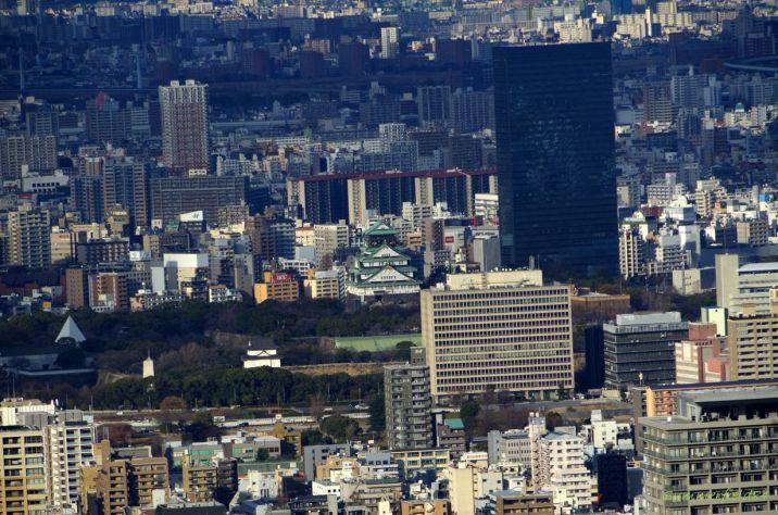 中央:大阪城天守閣