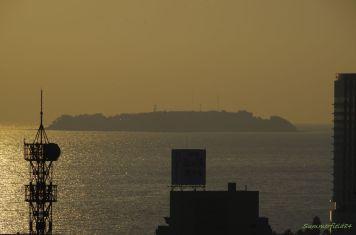オマケ:来宮駅から途中で見えた初島