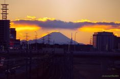 千葉ニュータウン中央駅と富士山とスカイツリー