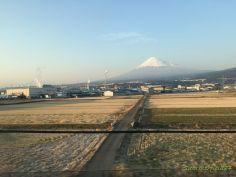 東海道新幹線の車窓