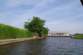 船着き場近くの手賀沼揚水場